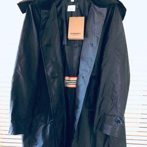 Burberry - Gullane Drawstring Waist Trench Coat